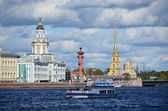 St. Petersburg, Universitetskaya embankment — Stock Photo