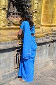 Nepal, Kathmandu, nepaly woman commits a Buddhist rite on the Svayambunath hill — Stock Photo