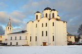 Veliky Novgorod, Yaroslav's Court in winter, St Nicholo-Dvoristhensky Cathedral — Stock Photo