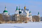 Spaso-Yakovlevsky Dimitriev monastery in Rostov in winter, Golden ring of Russia — 图库照片