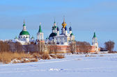 Spaso-yakovlevsky Dimitriev monastery  in Rostov in winter — Stockfoto