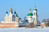 Spaso-Yakovlevsky Dimitriev monastery in Rostov in winter, Golden ring of Russia — Stock Photo