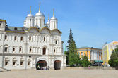 The Patriarchal chambers with the Church of the Twelve apostles in the Moscow Kremlin — Stock Photo