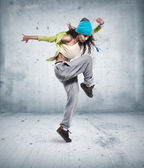 Genç kadın hip hop dans — Stok fotoğraf