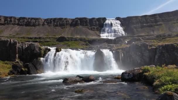 Cascade d'islande dynjandi — Vidéo