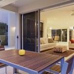 Modern backyard and living room — Stock Photo