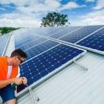 instalação de painel solar — Fotografia Stock  #22928364