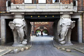 ELEPHANT GATE AT THE CARLSBERG BREWERY IN COPENHAGEN - DENMARK — Stock Photo