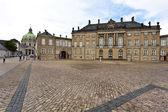 Palacio de amalienborg en copenhague - dinamarca — Foto de Stock