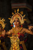 Balinese dance in a local Hindu temple in Bali - Indonesia — Photo