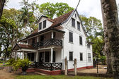 Colonial Dutch wooden house in the center of Paramaribo - Suriname - South America — Zdjęcie stockowe