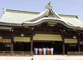 Shinto Temple With Priests — Stock Photo