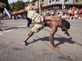 Break Dancer In The Summer Solstice Parade — Stock Photo