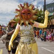 Sun Performer In Parade Ensemble — Stock Photo