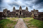 Cloudy Skies At Angkor Wat — Stock Photo