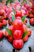 Fresh red apple — Stock Photo