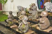 Abandoned Buddha statue — Stock Photo