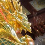 Beautiful dragon statue — Stock Photo #9013054