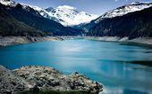 Lake with mountains — Stock Photo