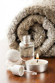 Aromatherapy oil and candle — Stock Photo