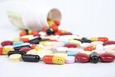 Las pastillas y cápsulas — Foto de Stock