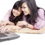 Family safe internet surfing — Stock Photo
