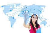 Trabalho em rede global de estudante de faculdade — Foto Stock