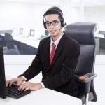 Businessman customer service support — Stock Photo