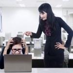 Angry boss blame subordinate — Stock Photo