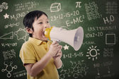 Boy student announce using speaker — Foto de Stock