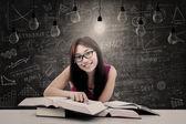 Happy student has bright idea — Stock Photo