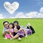 plaisir de temps avec la famille — Photo