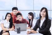 Ofiste iş takım toplantısı — Stok fotoğraf