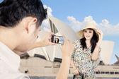 Boyfriend took picture of girlfriend in Sydney — Stock Photo