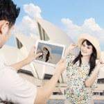Couple take picture in Sydney Australia — Stock Photo