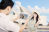 Couple take picture in Sydney Australia — Stock Photo
