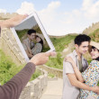 Asian couple at great wall of China — Stock Photo