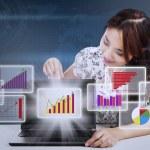 diagrama de marketing relatório empresária apresentando — Foto Stock