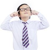 Zakelijke jongen concentraat - geïsoleerd — Stockfoto
