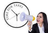 Aankondiging van tijd voor belastingen — Stockfoto