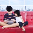 Children using tablet together — Stock Photo
