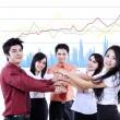 mani sovrapposte di business team — Foto Stock
