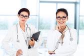 Jóvenes doctoras — Foto de Stock