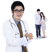 Couple visiting an obstetrician — Stock Photo