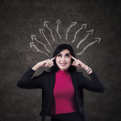 Businesswoman thinking a solution — Stock Photo