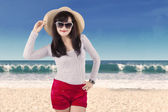 Attractive woman wearing summer clothes — Stock Photo