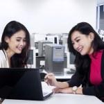 Marketing staff discussing job 2 — Stock Photo #51034381