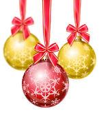 снежинка красные и золотые елочные шары — Стоковое фото