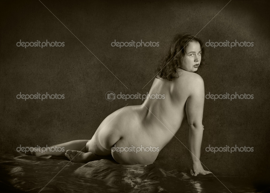 Nude women camel whale tail