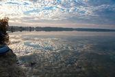 Porannych połowów na jeziorze — Zdjęcie stockowe